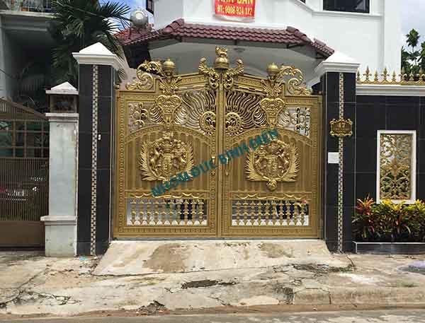 Cửa cổng nhôm đúc BG-034