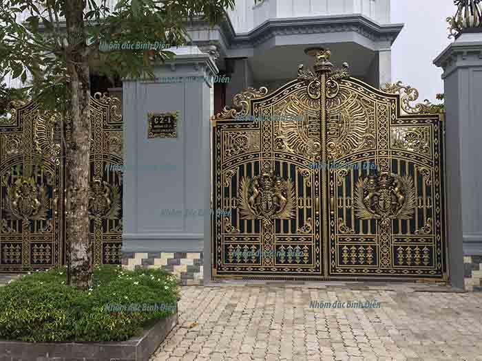Cổng nhôm đúc huyện Nhà Bè - TP.HCM