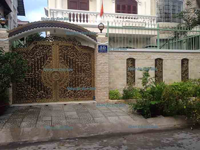 Cổng nhôm đúc hợp kim tại quận Bình Tân - TP.HCM