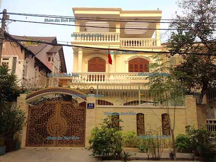 Cổng nhôm đúc quận Bình Tân - TP.HC<