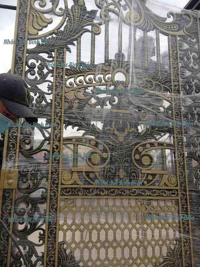 Cổng hợp kim nhôm đúc Tây Ninh